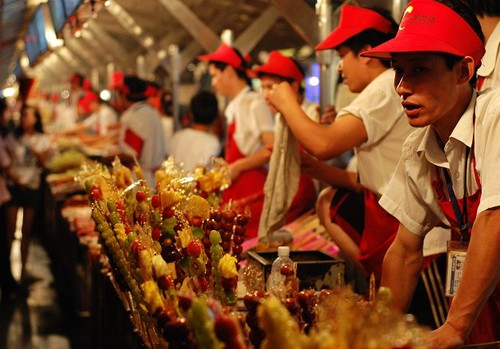 Wangfujing-Snack-Street-1-1376615262_500x0