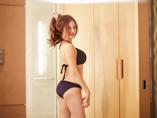 Hot Girl From Korea Makes Fans Crazy With Her New Image