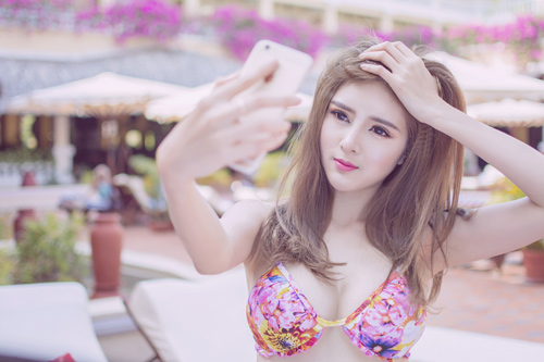 Welcome to summer with Vietnamese hot girl Lilly Luta