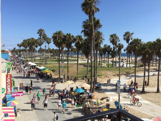 venice-beach-scene